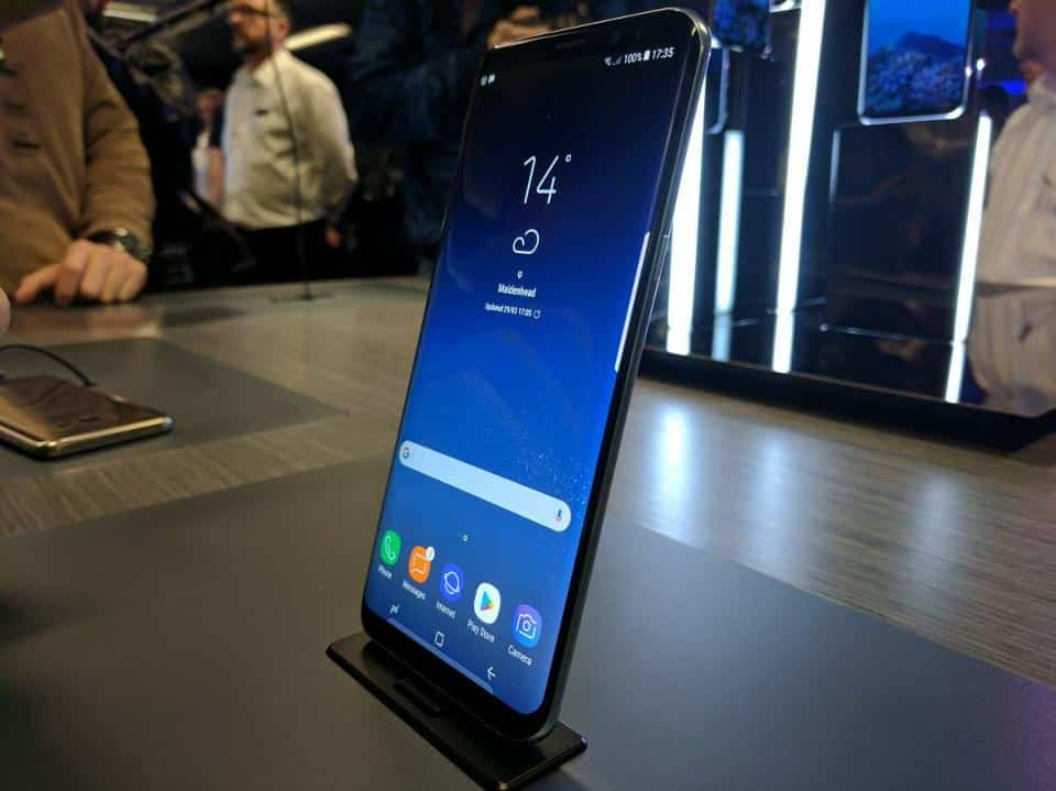 The Galaxy S8 and Galaxy S8 Plus remains incredibly thin and I'd have preferred to see them slightly thicker with larger batteries