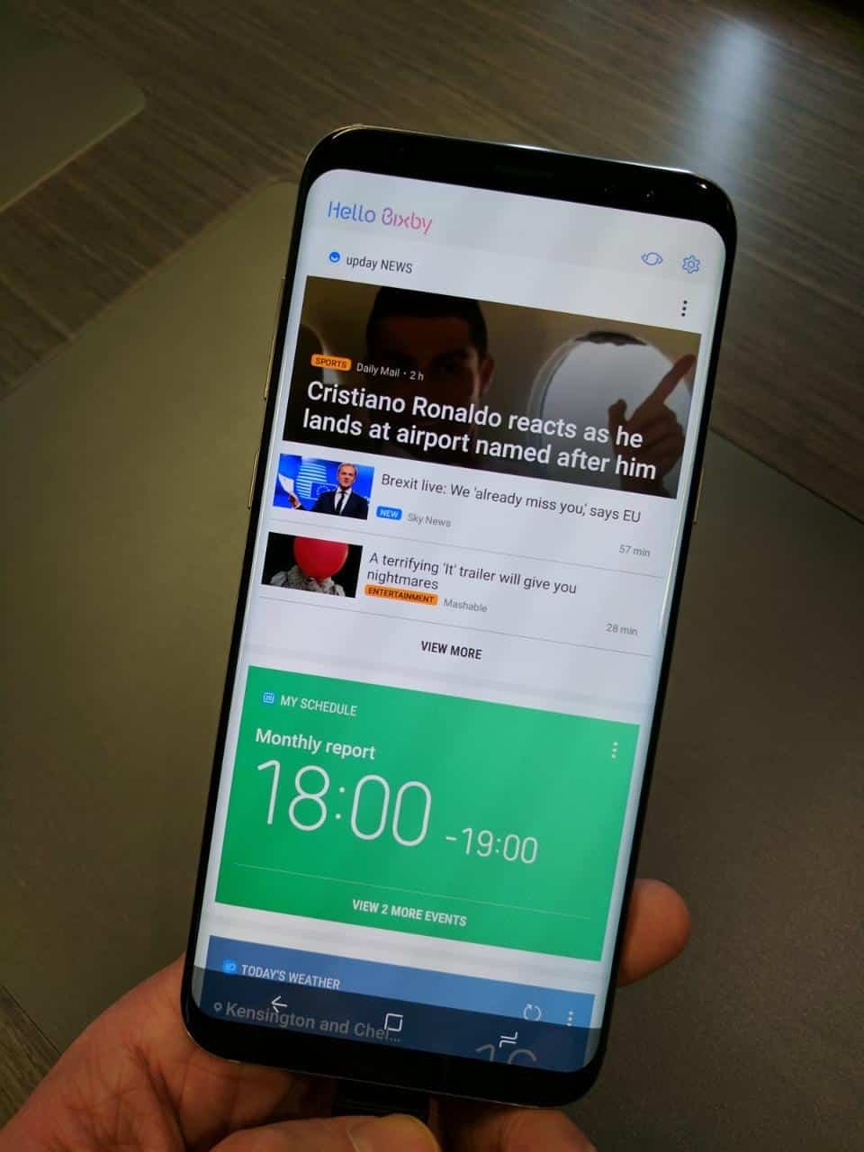 Bixby's information screen is a clear copy of Google Now